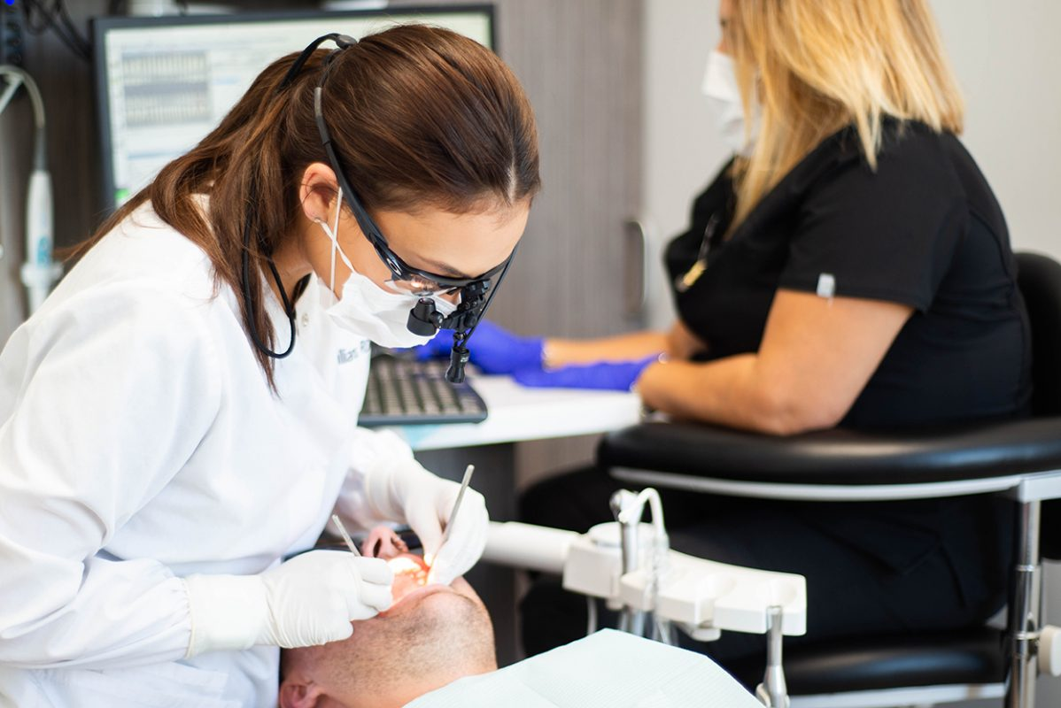 emergency-dentist-77027.jpg